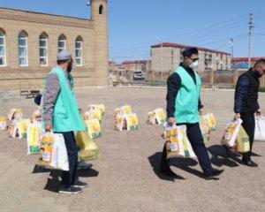 Рамазан: Мақат аудандық мешіті отыз отбасыға азық таратты