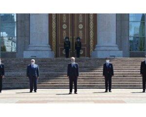 Мемлекет басшысы індеттен қаза болған азаматтарды құрметпен еске алды (+ ВИДЕО)