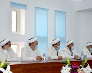 """""""Халал Даму""""мекемесінің басшысы атыраулық имамдармен кездесті"""