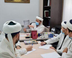 """Атырауда """"Әт - Тақуа"""" мешіті имамдар әдебін талқылады"""