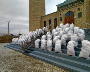 Атырау:  Рамазанның 22 күнінде облыс мешіттерінде 2000-нан астам отбасына азық таратылды, бір шаңыраққа баспана берілді (+ ФОТО)