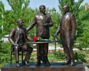 Президент Алаш қайраткерлеріне арналған ескерткішті ашты